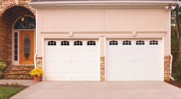 LINCOLN Amarr Garage Doors